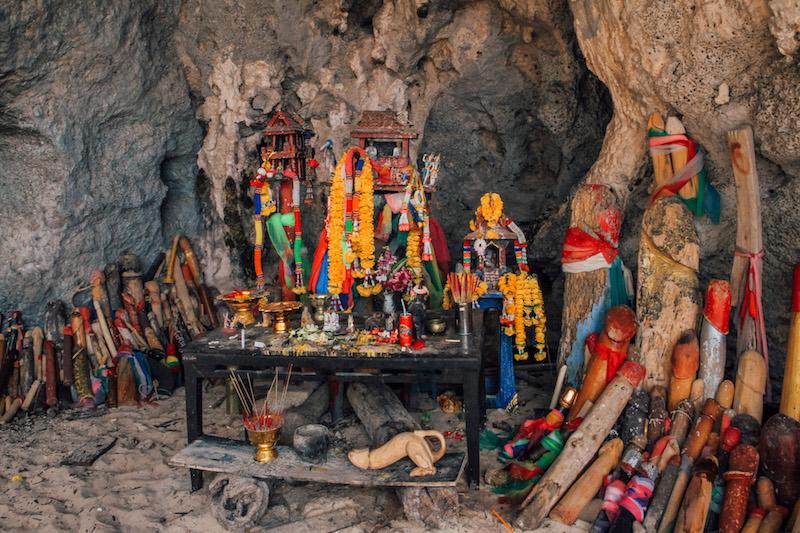 Railay Beach Phra Nang Cave Beach
