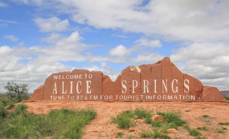 Ayers Rock Australien Outback Roadtrip Alice Springs