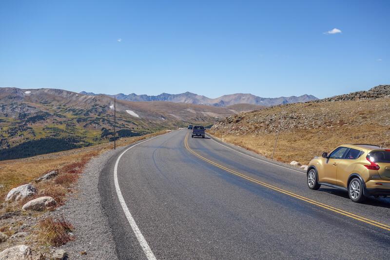 rocky-mountains-colorado-trail-ridge-road