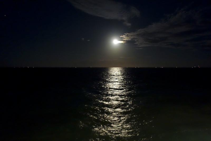 Kreuzfahrtschiff Mond