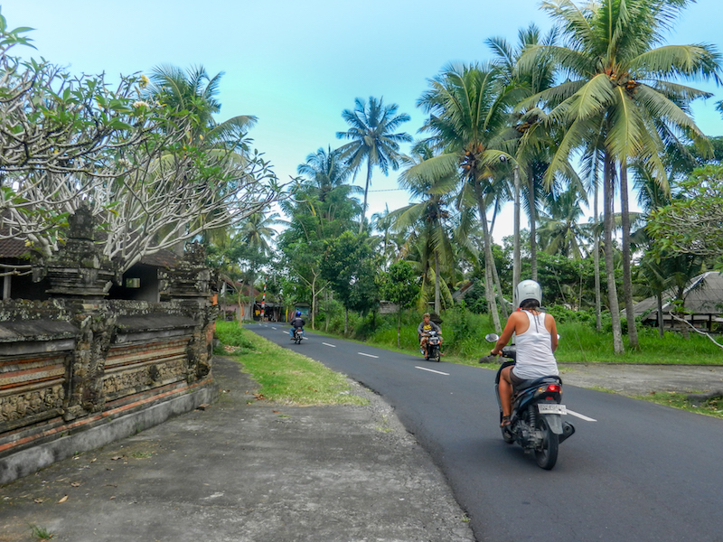 Bali Indonesien Rollerfahren