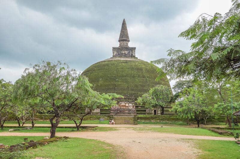 Buddhismus in Sri Lanka Polonarruwa Stupa