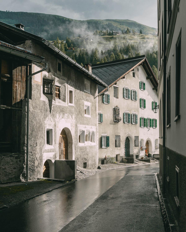 Graubuenden Schweiz Berguen Bernina Express