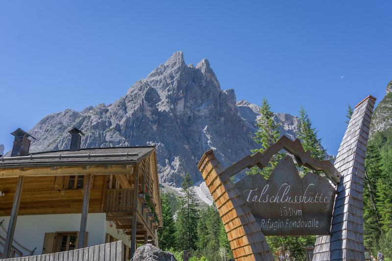 Pragser Wildsee Dolomiten Talschlusshuette Fischleintal