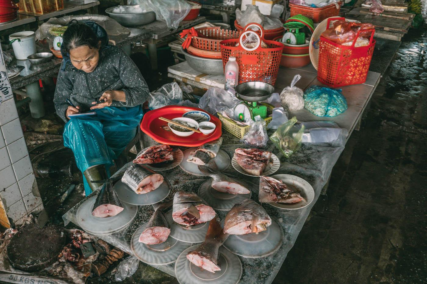 Essen in Vietnam Fisch vom Markt