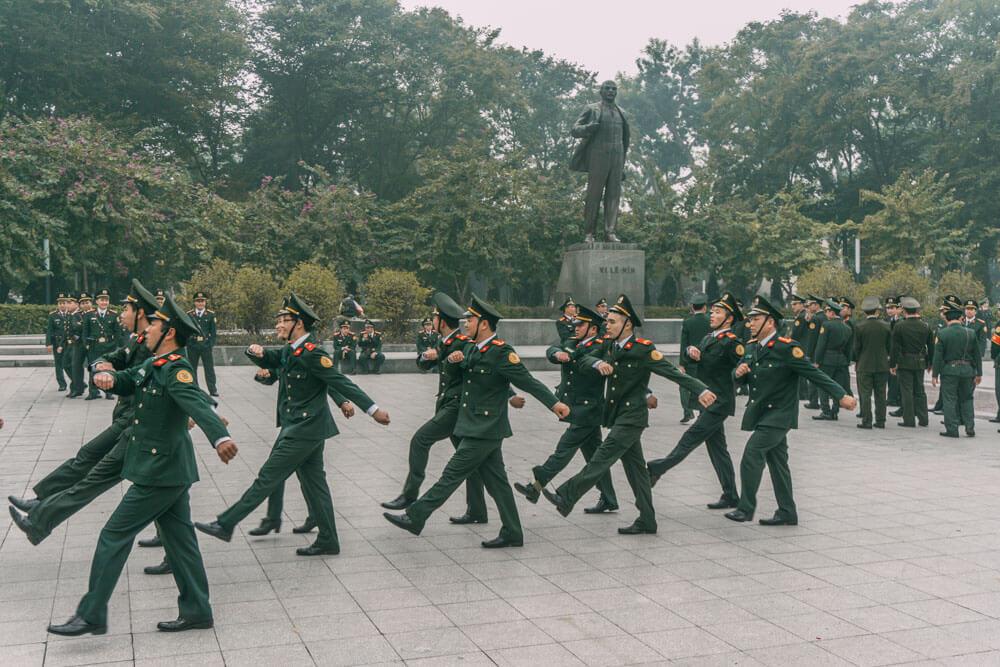 hanoi_lenin_statue_vietnam