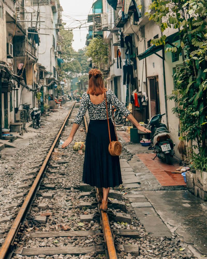 hanoi_sehenswuerdigkeiten_traintracks_bahngleise