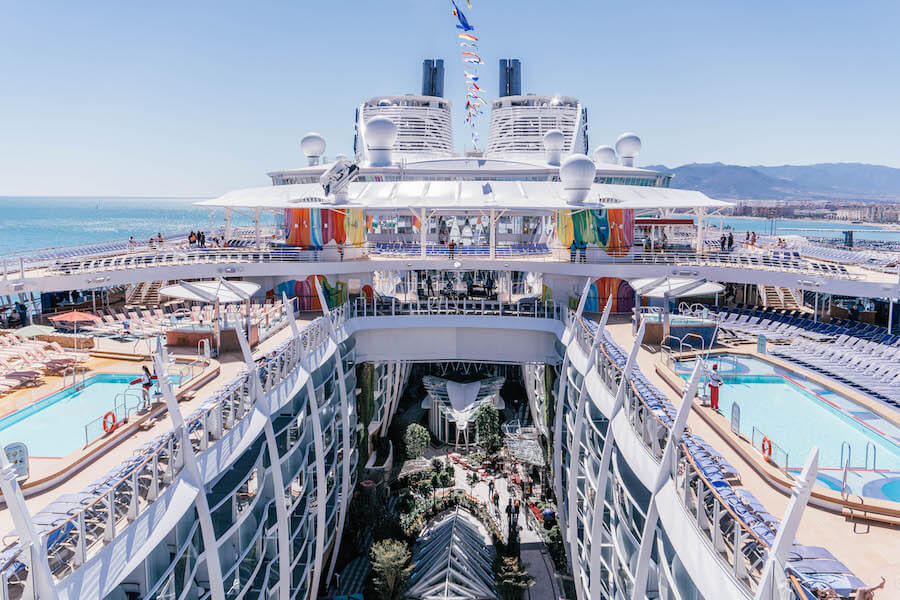 symphony_of_the_seas_pooldeck