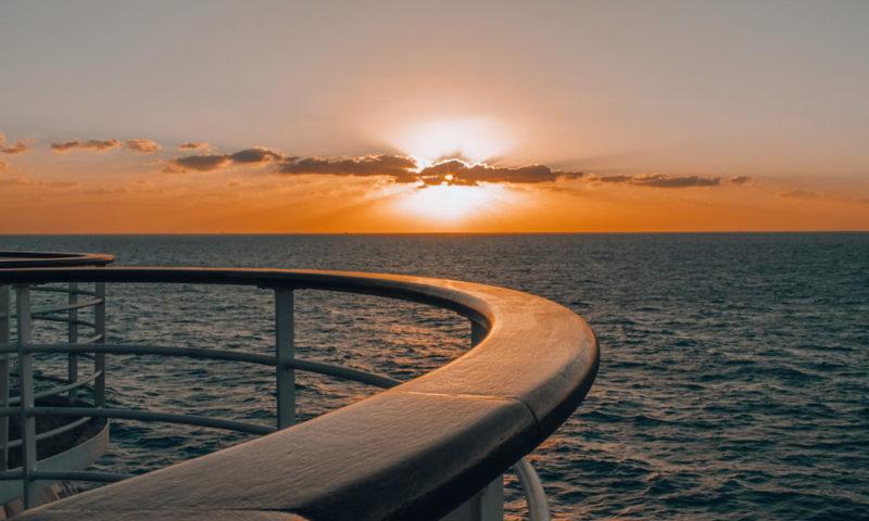 Arbeiten auf dem kreuzfahrtschiff