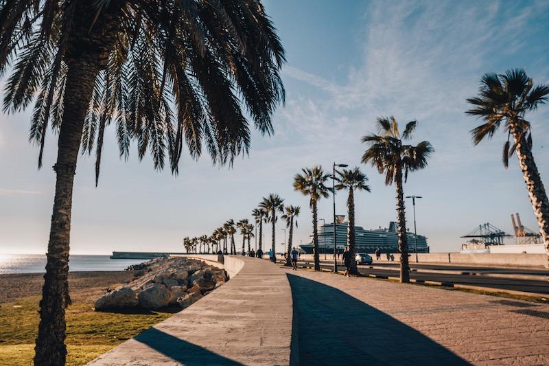 Malaga Sehenswuerdigkeiten Hafen