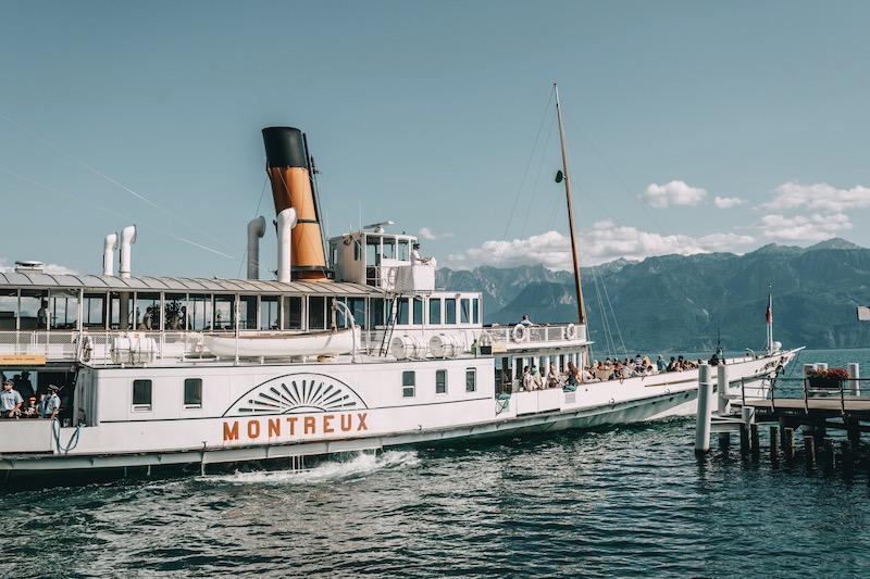Lausanne Genfersee Dampfschiff