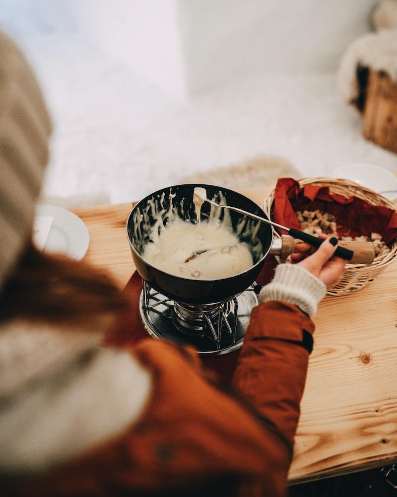 Iglu Dorf Käse Fondue