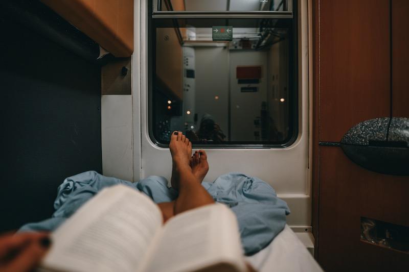Klimafreundlich reisen per Nachtzug: Meine Erfahrung und Tipps
