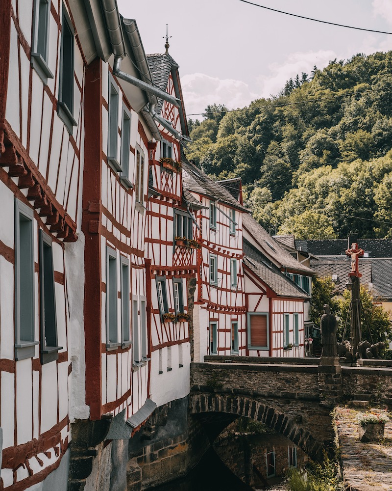 Fachwerkhäuser Monreal Eifel