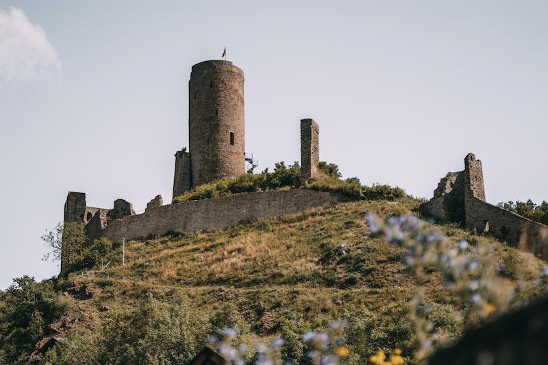Löwenburg Monreal Eifel