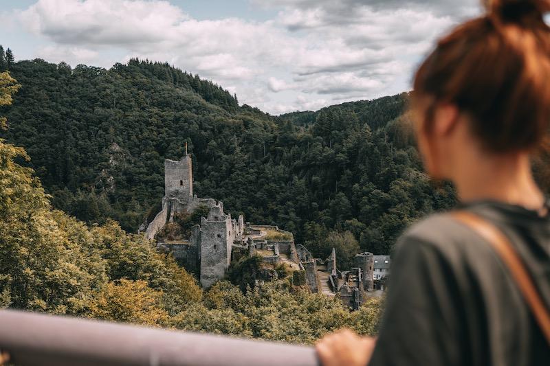 Wandern in der Eifel Manderscheider Burgenstieg