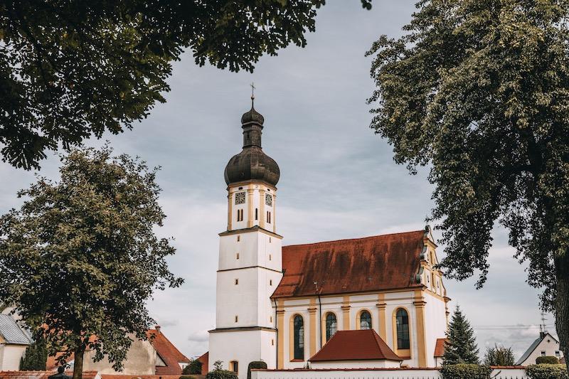 Schwenningen an der Donau Kirche Donauwald Wanderweg