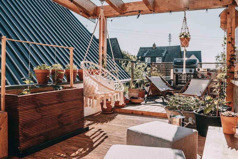 Mai Monthly Dachterrasse
