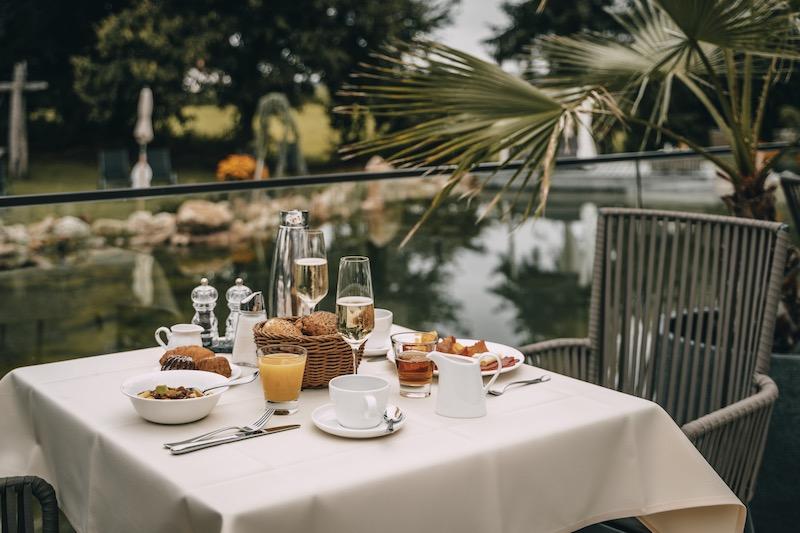 Frühstück Naturbadeteich